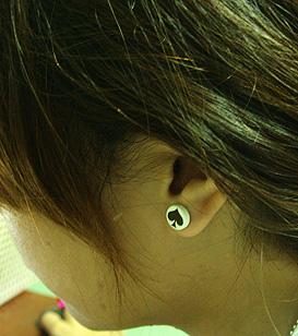 ★★★ไม่ต้องเจาะหู ก็ใส่จิวหูเท่ๆ ได้ค่ะ ★★★ สนใจมาทางนี้เลย ดารานักร้องใส่เพียบบ - Page 3 I15pic1